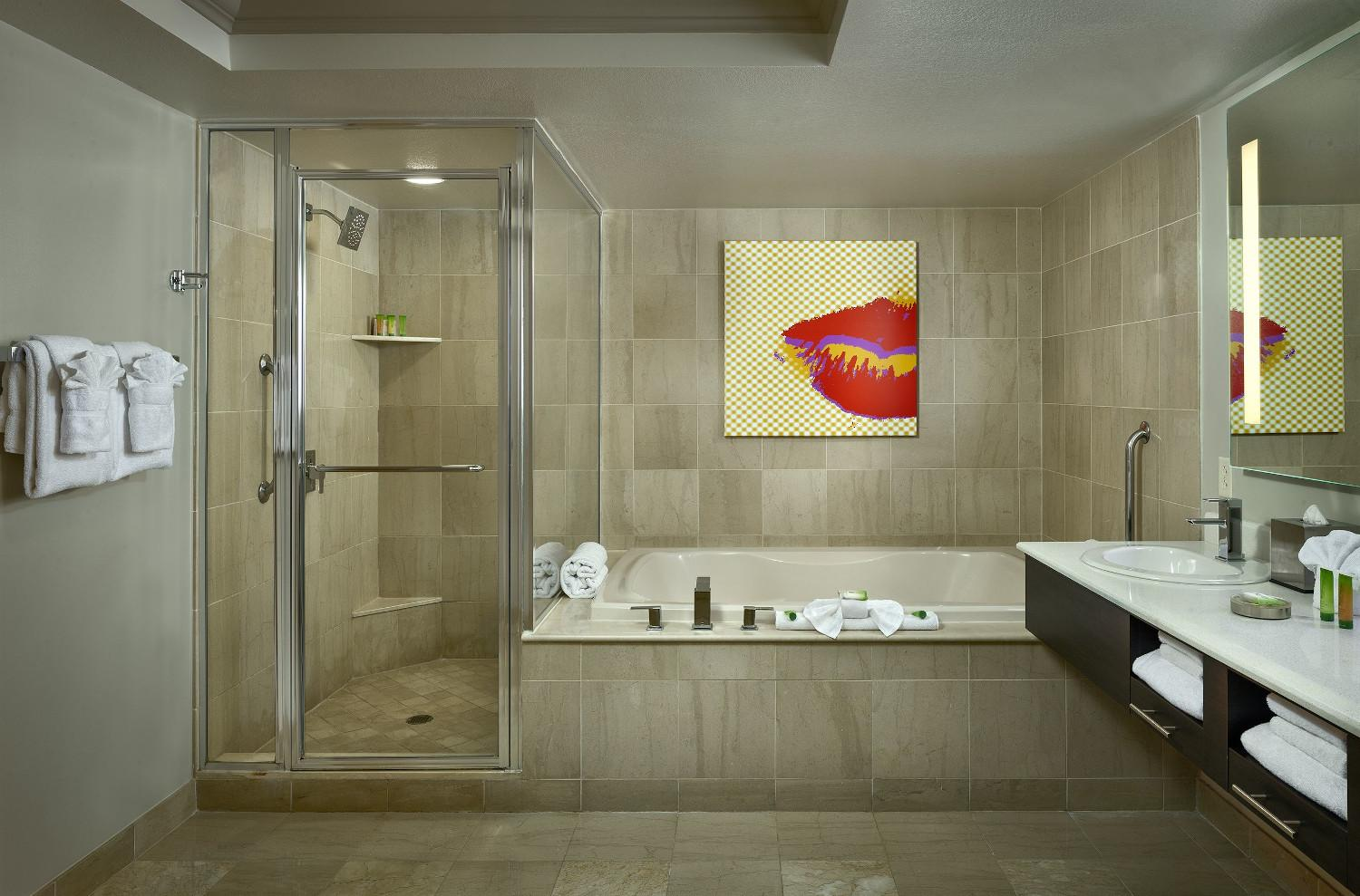Boulevard Suite Bathroom
